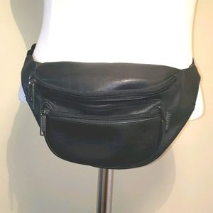 Safari Vintage Faux Leather Vinyl Black Fanny Pack